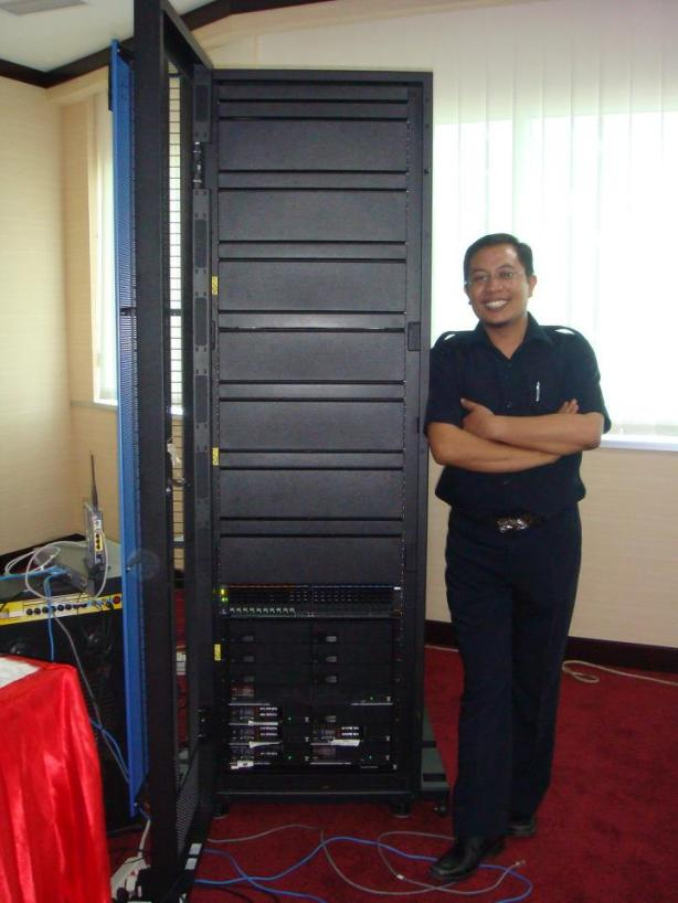 Nathan-and-IBM-PureFlex-Server-01